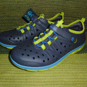 Boys water shoes Stride Rite Phibian kids sz 1